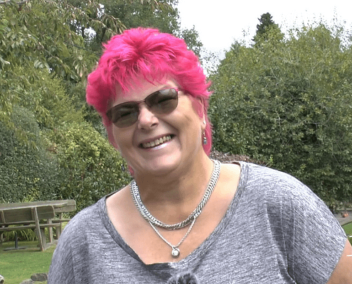 Louise's story on how she found walking to be a natural pain reliever to help manage her arthritis and fibromyalgia