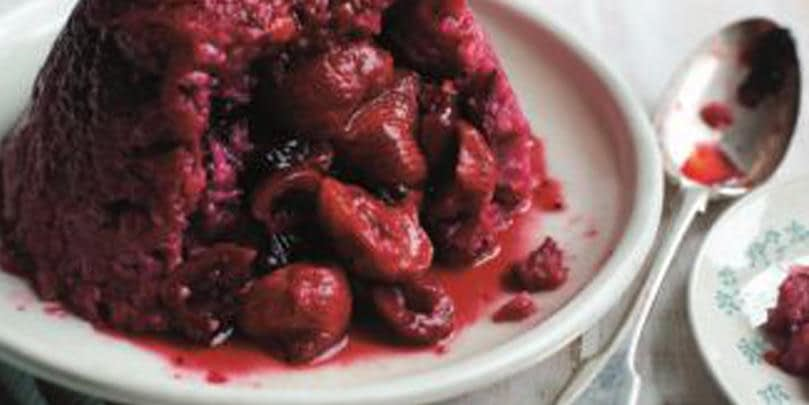 SUMMER PUDDING WITH STRAWBERRIES
