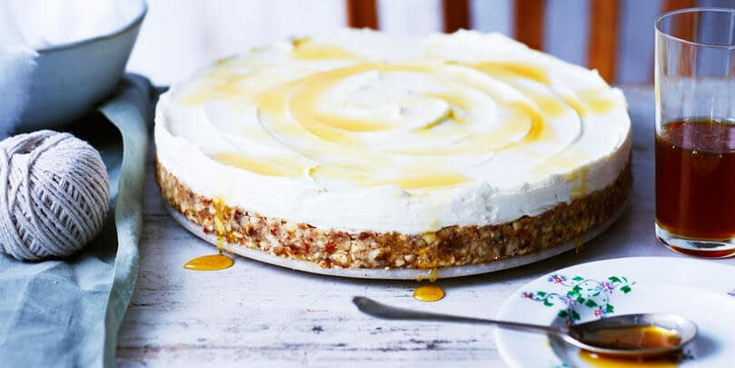 LABNEH CHEESECAKE WITH HONEY